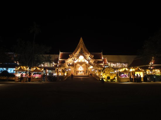 Phuket FantaSea: Restaurant
