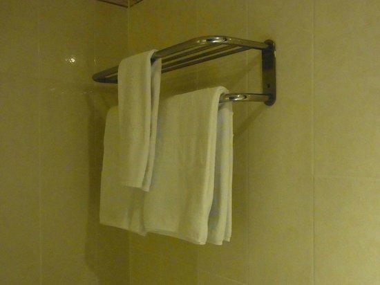 โรงแรมรอยัล เบญจา: タオル