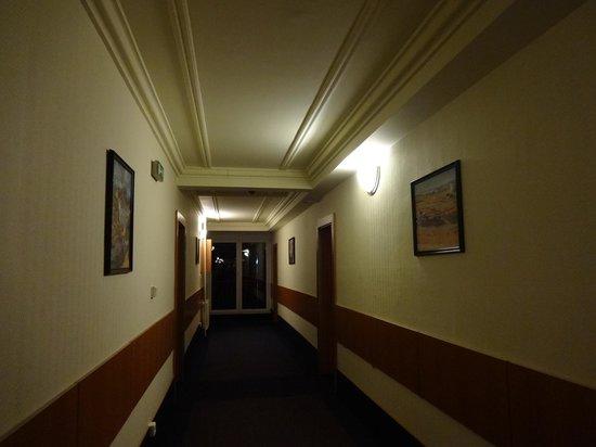 TOP HOTEL Praha: 廊下