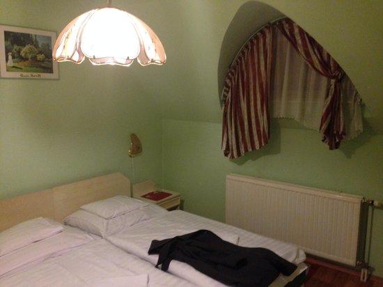 Grof Cziraky Panzio: Our room on the last floor