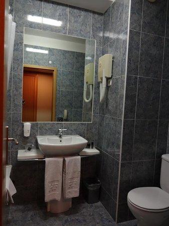 HF Tuela Porto : 洗面台