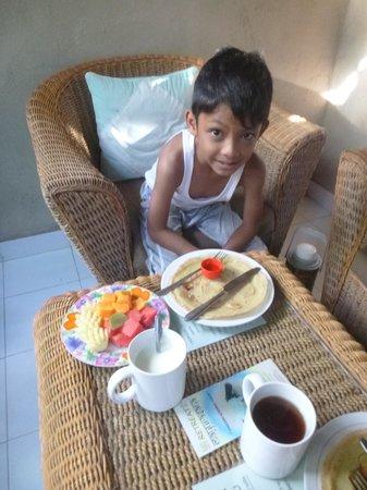 Solaluna Beach Homestay: breakfast