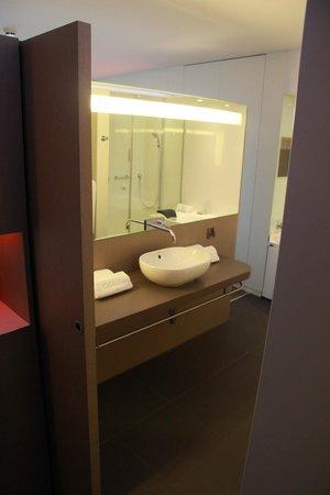 Hotel Oceania Saint Malo : Salle de bain