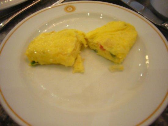 Royal Benja Hotel: 朝食ブッフェ