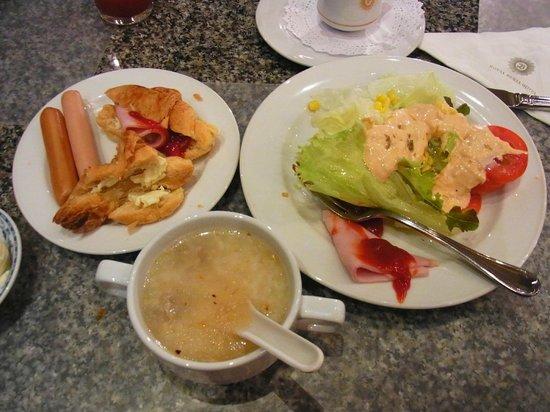 ロイヤル ベンジャ ホテル, 朝食ブッフェ