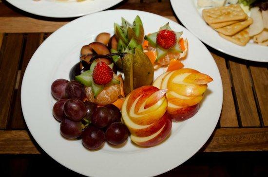 L'Ermitage Hotel: Sauna - Fruits plate