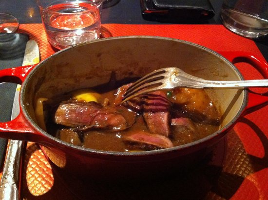 A la Belle Cocotte : Canette aux pommes, endives et figues... en cours de dégustation !