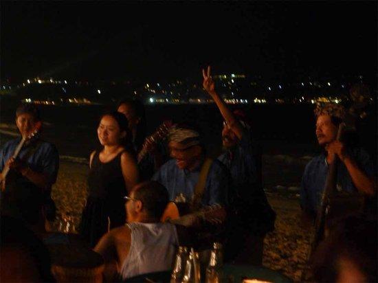 Romantic Dinner in Jimbaran Bay: Jimbaran band