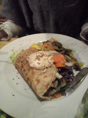 Adonis Creperie: Crepe vegetariana (verdure varie e crema di ceci)
