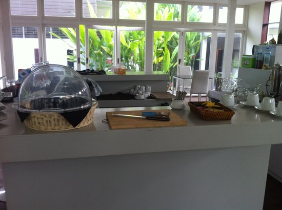 Mandala Boutique Hotel: Breakfast :(