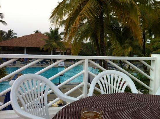 Dona Sylvia Beach Resort: view from the bar