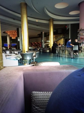 Fontainebleau Miami Beach: The bar on Christmas Day