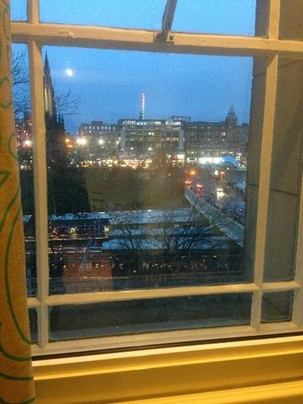 Motel One Edinburgh-Royal: Room 616 - View from Room