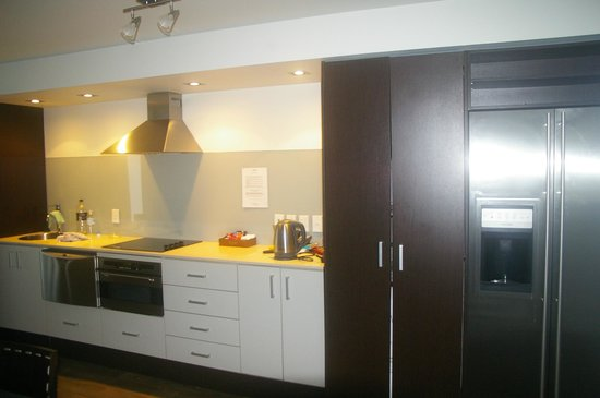 Sea Spray Suites - Heritage Collection: Superbly appointed kitchen / meals area