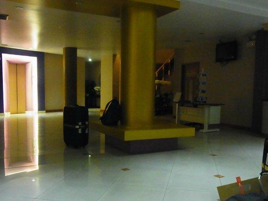 Ratchada Resort and Spa Hotel: ロビー