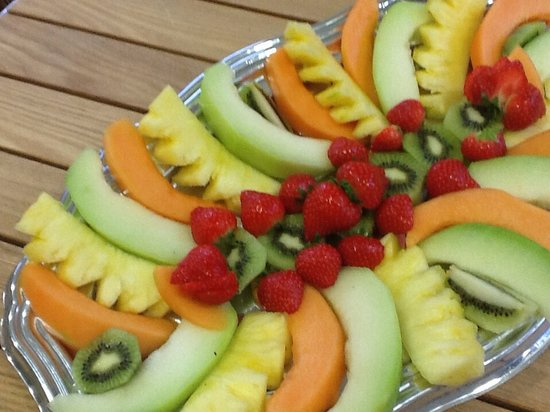 Creme du Cafe: Fruit platter