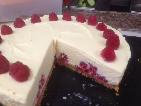 Creme du Cafe: Raspberry cheesecake