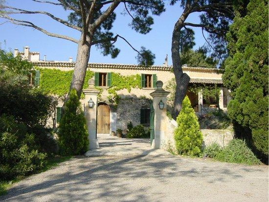 Campanet, สเปน: jardines y patios