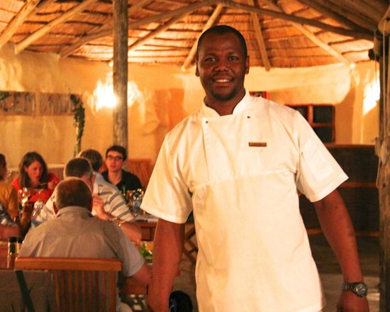 Chrislin African Lodge: Elvis our chef