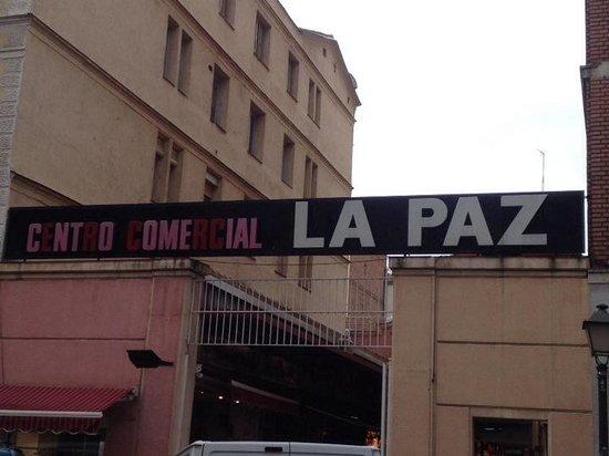 Mercado De La Paz: Entrada por Lagasca