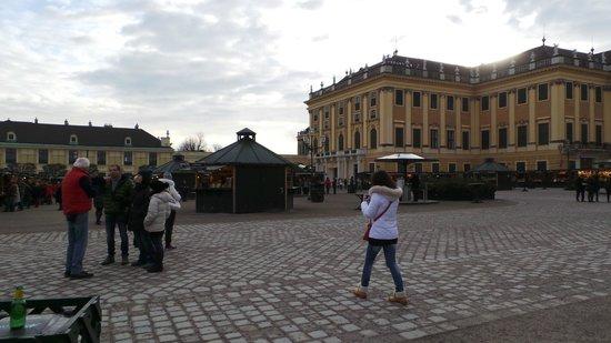 Schloss Schönbrunn: Market