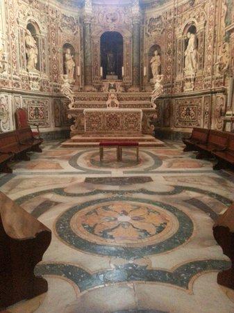 Taranto Catherdral - Duomo of San Cataldo : La cappella barocca di San Cataldo