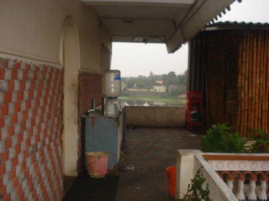 Hotel Ramakrishna : the so called kitchen area