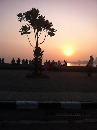 Marine Drive: sunset on the bay 3