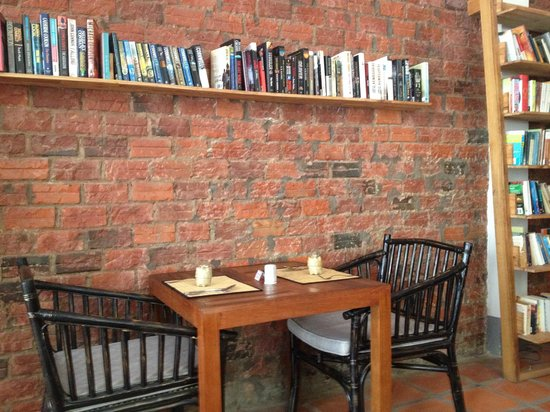 New Leaf Eatery : interior