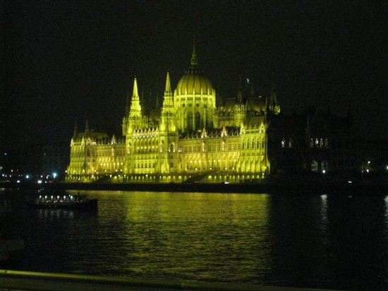 Boutique Hotel Victoria Budapest : Parlement (zoom)