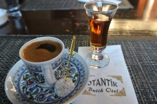 "Otantik Restaurant & Winehouse: Café turc et ""pousse"" offert"