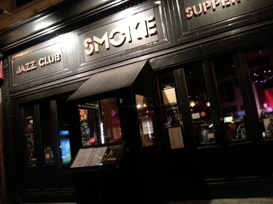 Smoke Jazz Club: L'entrata
