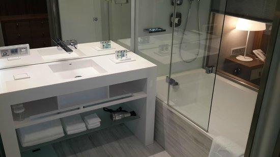 EPIC SANA Lisboa Hotel : Toilet