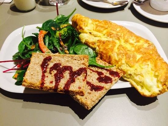 Honest To Goodness: Big Breakfast Omelette!