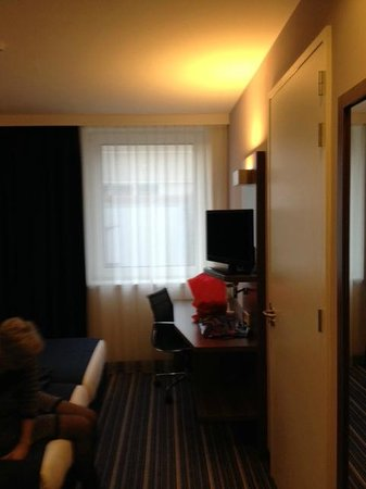 Holiday Inn Express Arnhem: raamzijde kamer