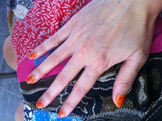 HARRIS Hotel & Residences Riverview Kuta: manicure... not my taste