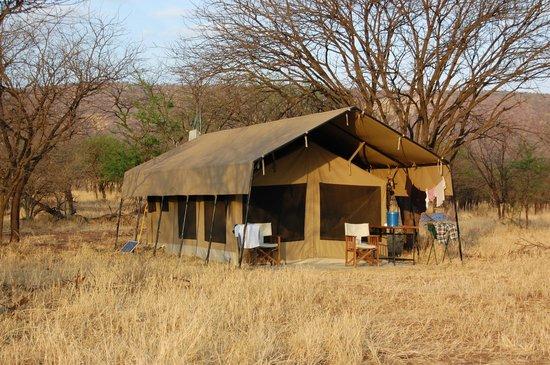 Kati Kati Tented Camp: Notre tente pour 2 personnes