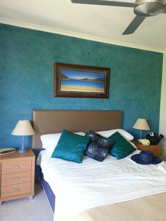 BreakFree Diamond Beach : Rm167 - Main Bedroom with ensuite.