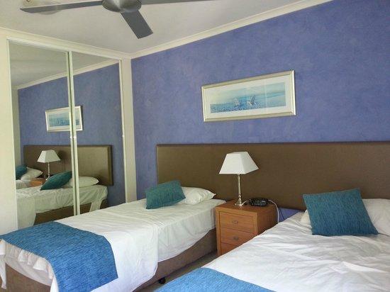 BreakFree Diamond Beach : Rm167 - Twin Bedroom. Adjoin with a bathroom