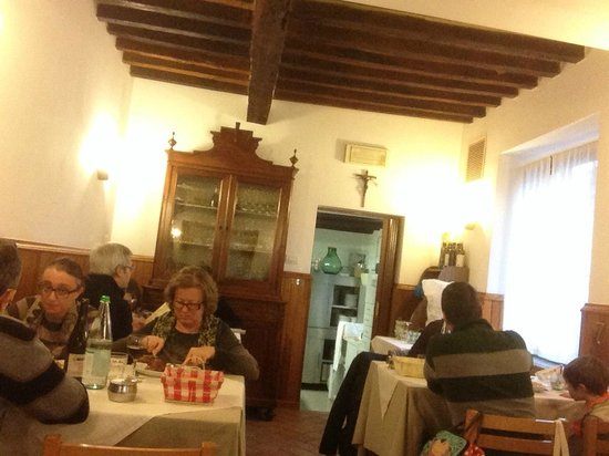 Soragna, Italia: Gli arredi in stile osteria
