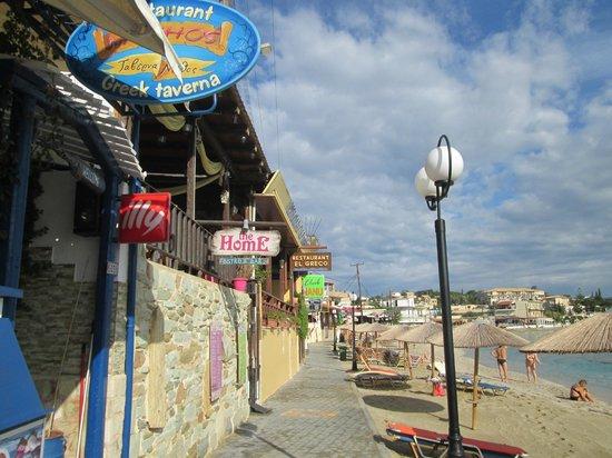 Panorama Village & Hotel : BEACH/ BARS