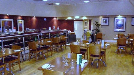 Holiday Inn Ashford North A20: Light airy diner