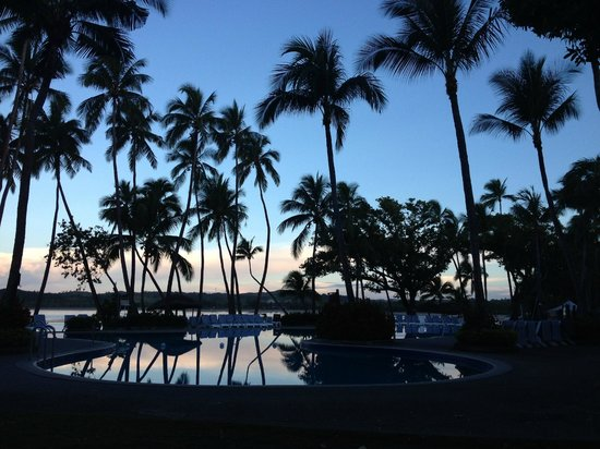 Yanuca Island, Fiji: Sunrise over the Lagoon Pool