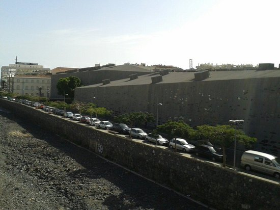 TEA Tenerife Espacio de las Artes: Vista desde puente Serrador.