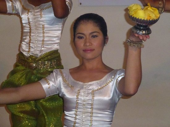 Soria Moria Boutique Hotel: Apsara dancer