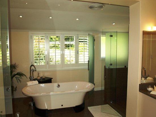 Bellavista Country Place: Junior Suite bathroom