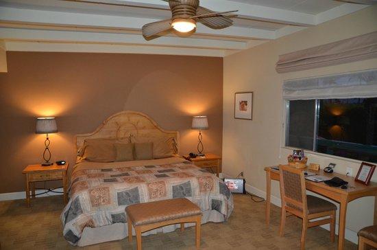 Santiago Resort: room 208