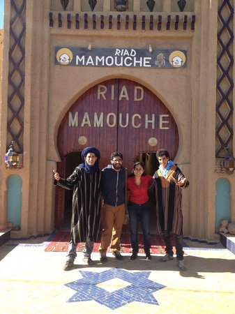Riad Mamouche : With Hassan the manager of the hotel at the entrance