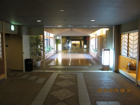 Kotosankaku: ホテルの渡り廊下「琴参道」