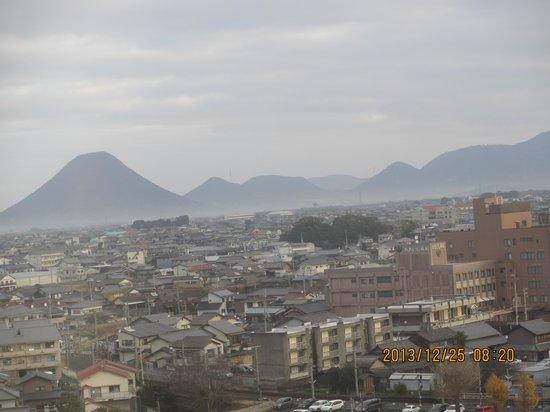 Kotosankaku: 部屋からの景色 讃岐富士を望む